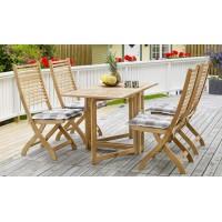Ассортимент садовой мебели представлен оригинальными экземплярами из дерева